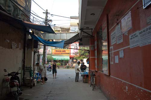 Coming to Cau Giay Street