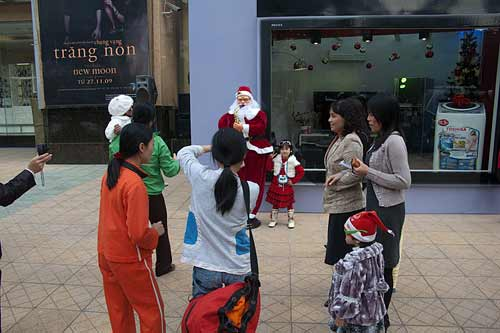 Christmas photos at Vincom Tower, Hanoi, Vietnam