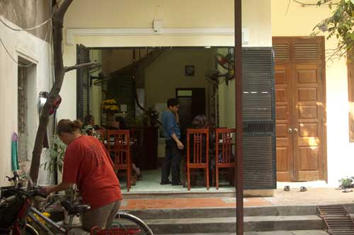 Com Chay Ha Tranh, vegetarian restaurant, Hanoi, Vietnam