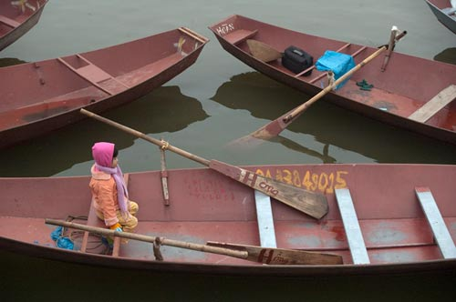 boats for the Perfume Pagoda