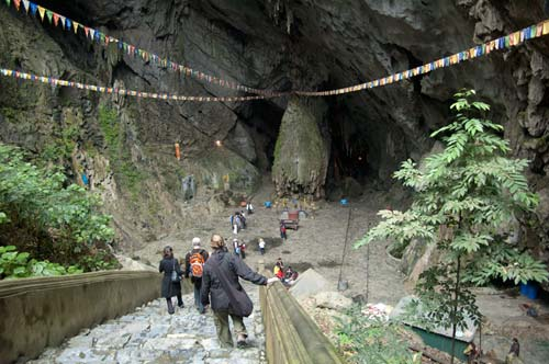 entrance to Huong Tich cave, Perfume Pagoda