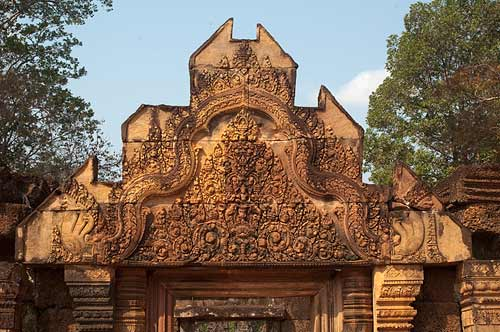relief carving, Banteay Srei, Angkor,