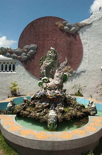 fountain, Hoi An, Vietnam