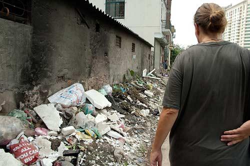 garbage in lane, Cau Giay, Hanoi, Vietnam
