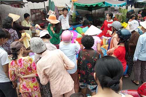 street market, Ho Chi Minh City, Vietnam