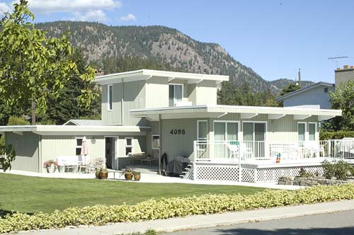 waterfront home for sale, Peachland, BC