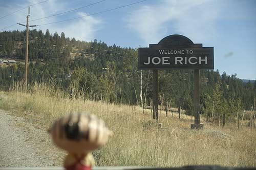 Joe Rich sign