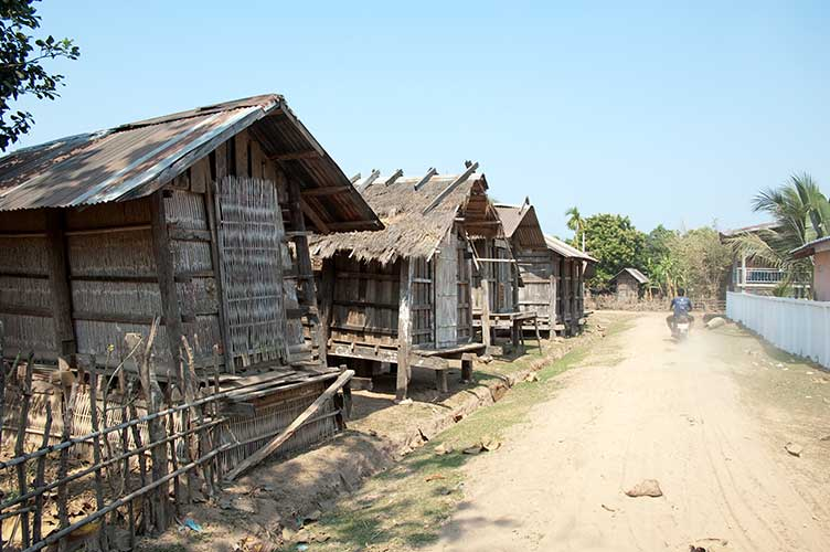 village, Don Daeng, Laos