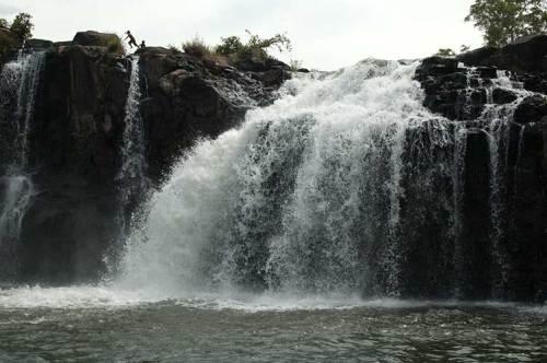 Tad Lo waterfalls, Laos