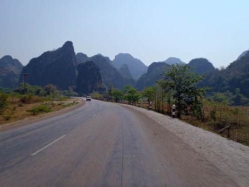 Route 12, Tha Khaek, Laos