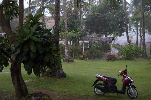 rainy morning at Vanalee Resort, Bai Lan, Koh Chang, Thailand