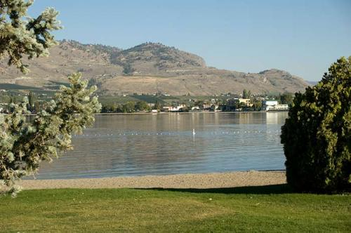 Osoyos Lake