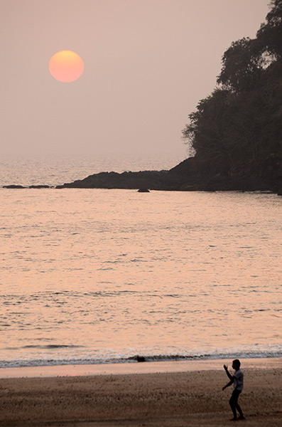 agonda-beach-sunset-tai