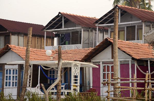 agonda-romance-huts