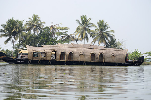 alleppey-houseboat1