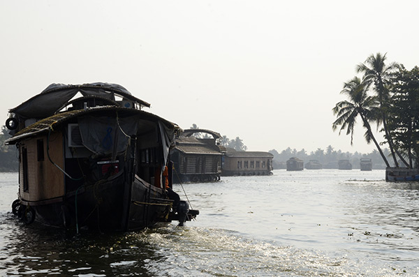 alleppey-houseboats-2