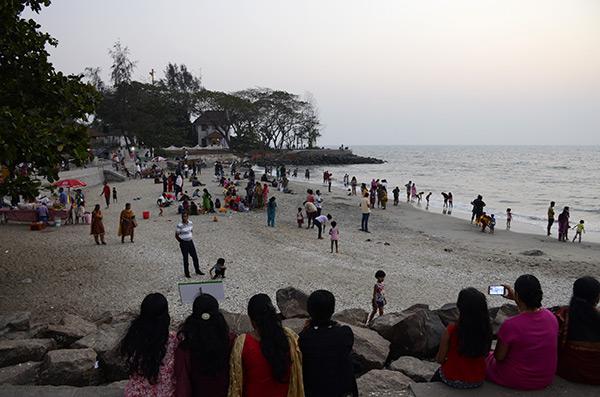 kochi-beach-scene