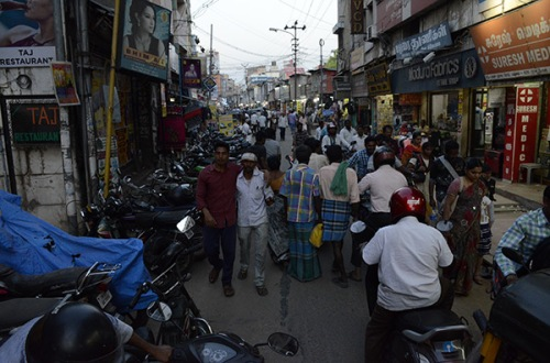 madurai-street-crowd