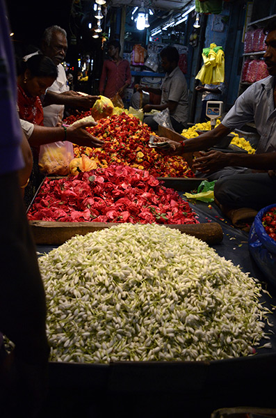 pondy-night-market