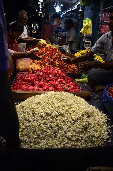pondy-night-market