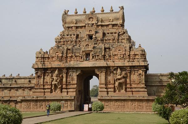 thanjavur-temple-gate