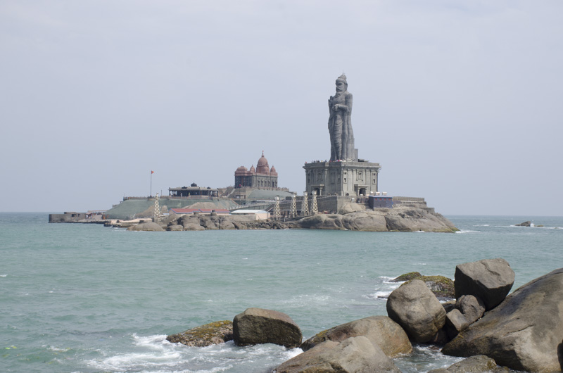 Thiruvalluvar Statue with Vivekananda Rock Memorial in the background